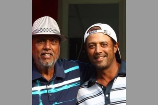 Arjun Atwal (R) with his dad (Photo Credit: Arjun Twitter)