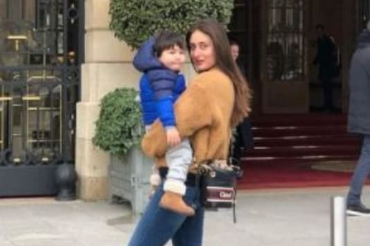 Kareena Kapoor Khan Holds Elder Son Taimur in Her Arms in This Throwback Picture