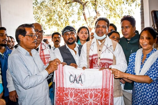 From the face of the Prime Minister to the shoulders of Rahul Gandhi, the gamosa has undergone a change in its position and appeal in the assembly elections of Assam.