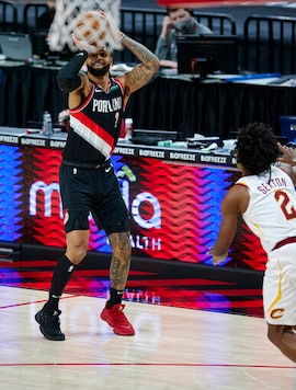 Trent Has 26 Points, Blazers Rout Cavaliers 129-110