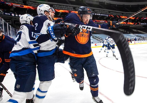 Wheeler's 3rd-period Goal Lifts Jets To 6-5 Win Over Oilers