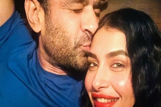 Eijaz Khan Posts Love-filled Photos with Pavitra Punia, Says 'I Love You One Million'