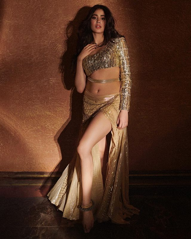 Janhvi Kapoor is heating things up with her song