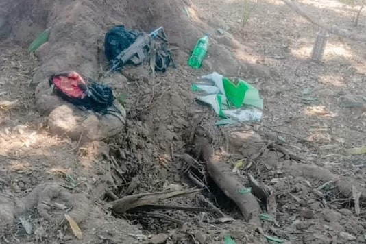Head Constable Laxmikant Dwivedi of Chhattisgarh police stepped on a pressure IED and was killed on the spot.