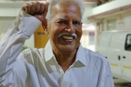 'Free at Last': Poet-Activist Varavara Rao, 81, Walks Out After Bombay High Court's Bail Last Month