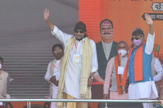 Actor Mithun Chakraborty on stage to attend PM Modi's rally.