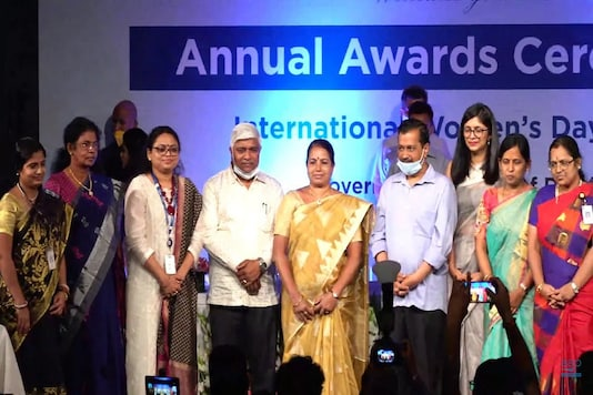 Women scientists of ISRO being felicitated by Delhi CM Arvind Kejriwal and DCW. (Image credit: Twitter@DCWDelhi)