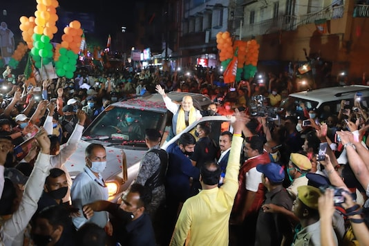Candidates participating in road shows.