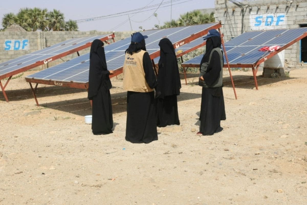 Ten pioneering Yemeni women have overcome skepticism and ridicule to bring electricity to their villages and lit up life with a microgrid solar business that they will hopefully expand in their war-torn region.  Photo: AFP