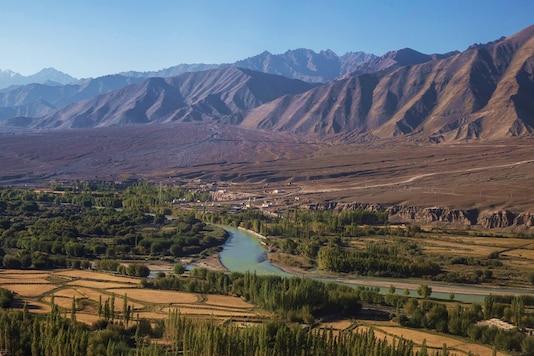 River Indus flows through Leh, in the Ladakh region. (Image: Reuters/Danish Siddiqui)