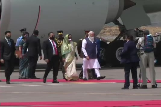 On a 2-day trip to Bangladesh, Prime Minister Narendra Modi was received at the Dhaka airport by his counterpart, Sheikh Hasina. (ANI)
