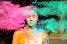 Holi 2021: Here's How to Protect Your Eyes While Playing With Colours