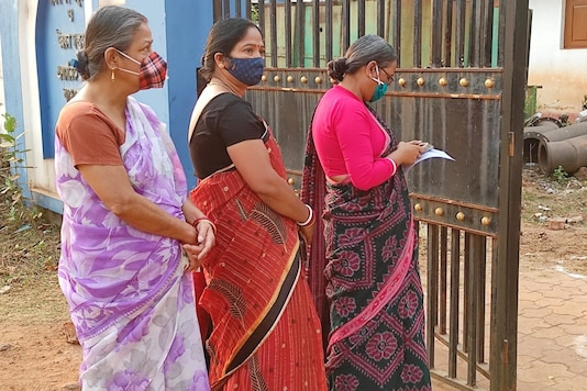 Early morning voters queued up in West Bengal