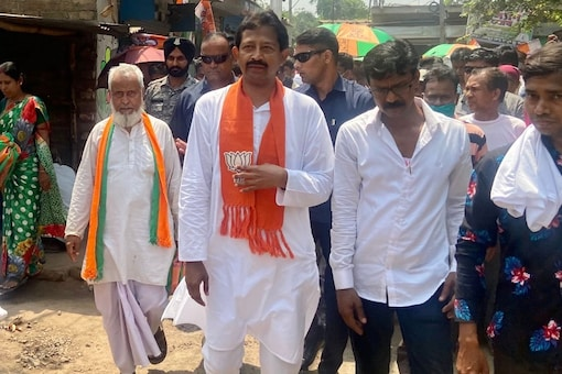 BJP candidate Rajib Banerjee (Aman Sharma/News18)