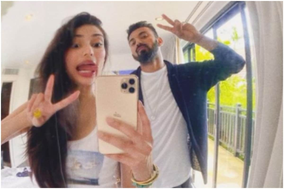 Rumoured Girlfriend Athiya Shetty Reacts to KL Rahul's Workout Pictures on Instagram thumbnail