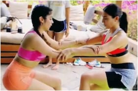 This Video of Sara Ali Khan and Janhvi Kapoor Working Out Together is Breaking the Internet