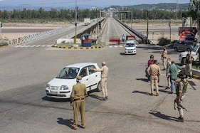 Corona Curfew Extended, 10 Oxygen Plants to be Set Up Soon: J&K Tightens Covid Measures