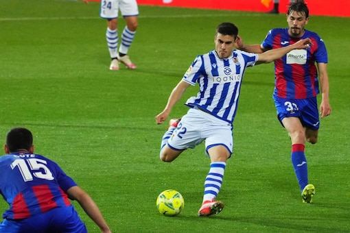 Real Sociedad and Eibar (Photo Credit: Twitter)
