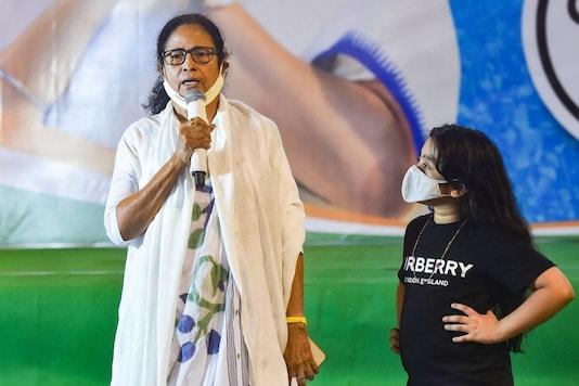 TMC supremo Mamata Banerjee with her nephew Abhisekh Banerjee's daughter Azania. (PTI)
