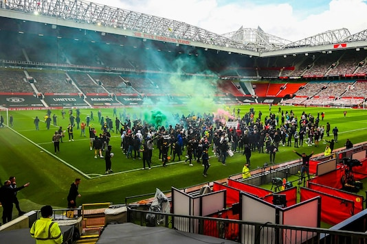 , Manchester United vs Liverpool Game Rearranged for May 13, Indian & World Live Breaking News Coverage And Updates
