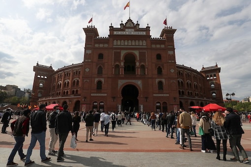 80% of New COVID-19 Cases in Spain Among Non-vaccinated People, Health Minister Said
