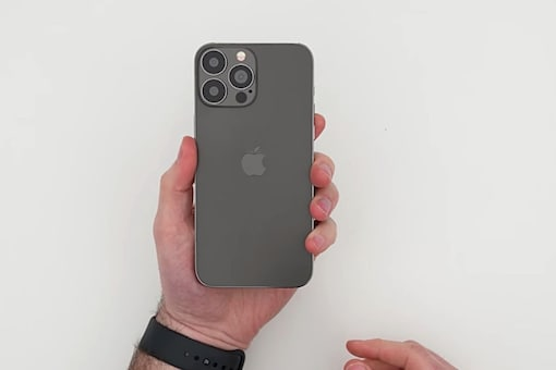 Apple iPhone 13 Pro Max dummy unit (Image: YouTube/ Unbox Therapy)