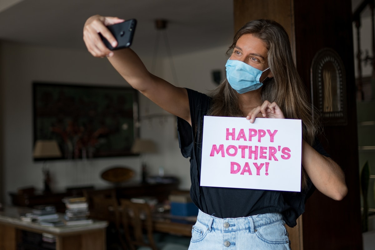 Mother's Day 2021: Images, Wishes, Quotes, Messages and WhatsApp Greetings to Share With Your Mom
