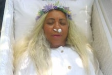 Woman Holds Her Fake Funeral and Forces Relatives to Mourn in Santiago, Says It was a 'Dream'