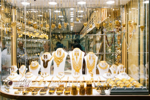 Gold price in India witnessed a huge drop.  (Representational Photo: Shutterstock)