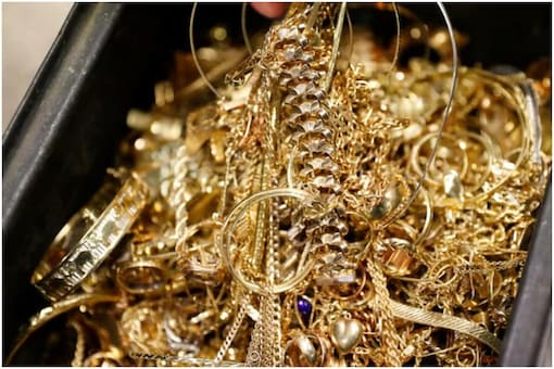 Gold prices edged lower on Tuesday