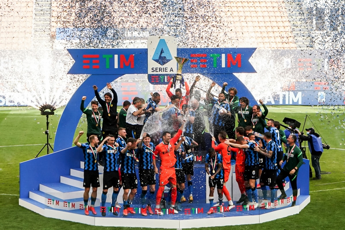Inter Milan Celebrate Serie A Title with Fans in Scintillating Fashion
