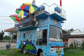 Hit by Covid-19 Pandemic, West Bengal Man Sets Up Moving Restaurant In A Lorry