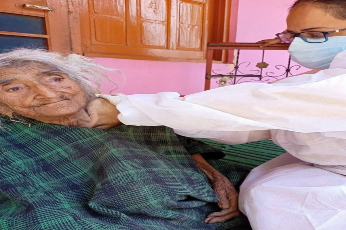 124-Year-Old Woman Administered Covid Shot in Jammu and Kashmir's Baramulla