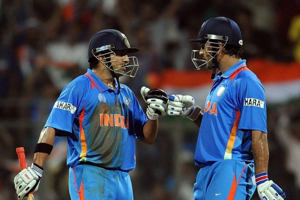 Gautam Gambhir Shares Throwback Photo to the Time When he Lifted '1.3 Billion Dreams' in His Hands thumbnail