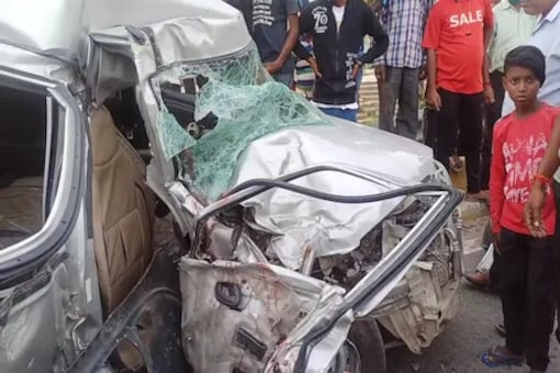 Three Killed After Alto Rams Into Lorry In Patna