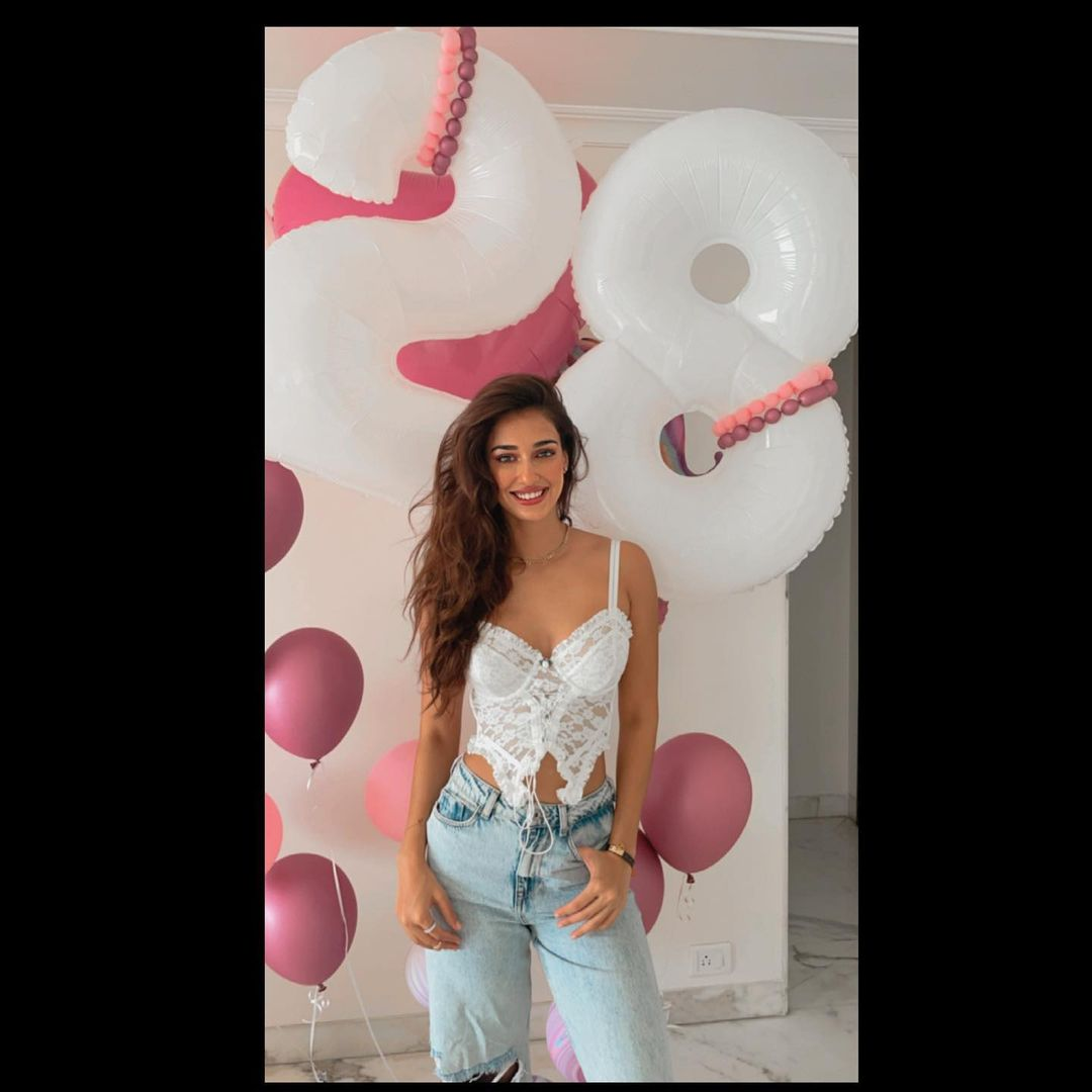 rang in her 28th birthday in style with boyfriend  and his sister, Krishna. (Image: Instagram)