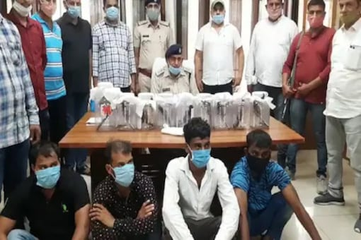 Police Car Stopped For Robbery, 4 Youths With Illegal Arms Arrested In Haryana