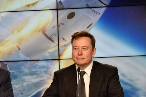 Elon Musk defends 2016 bailout of SolarCity (Image credits: Reuters)