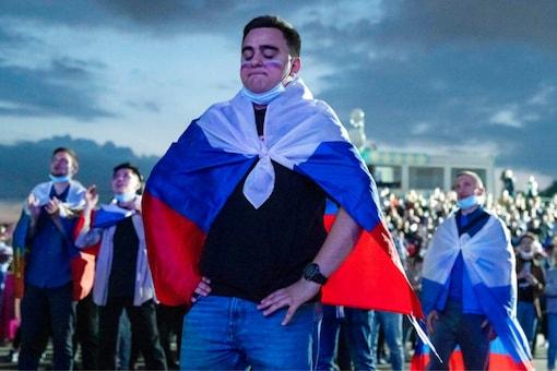 Russia fans (Photo Credit: AP)