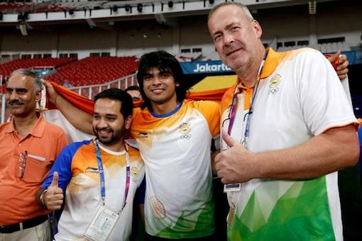 Neeraj Chopra with  coach Uwe Hohn (Image: Reuters)