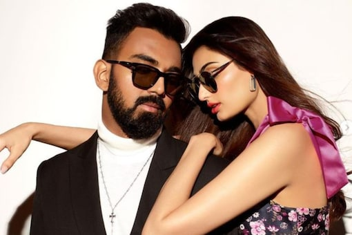 Rumoured Couple Athiya Shetty and KL Rahul Work Together For the First Time, Pose For Eye-wear Brand