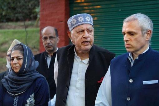 (From left) Mehbooba Mufti, Farooq Abdullah and Omar Abdullah. (PTI File)