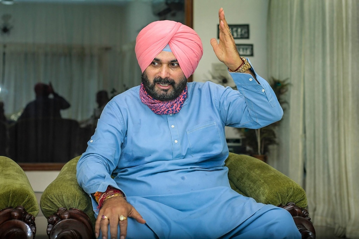 'Amarinder Singh Should Shed Ego': Sidhu Camp Refuses Apology to CM as Punjab Tussle Continues