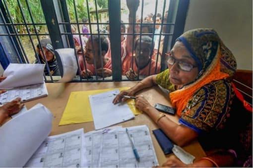 File photo of people gathered at an NRC Nagarik Seva Kendra in Guwahati. (PTI photo)