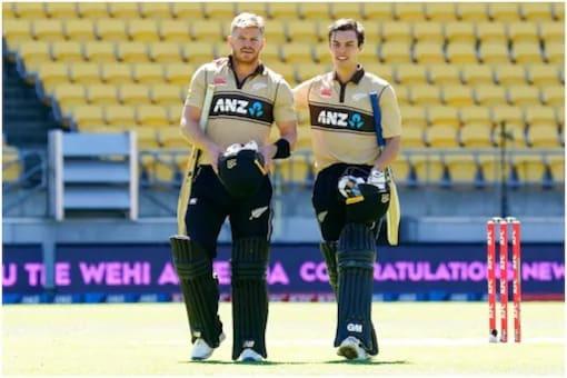 Watch: Glenn Phillips Pulls off Unbelievable Catch at T20 Vitality Blast