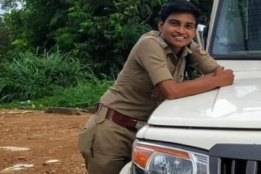 Anie Siva, who was abandoned with a baby at age of 18, has become Sub-inspector at Varkala PS in Kerala. (Credit: ANI/Twitter)