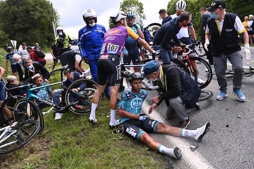 Tour de France crash (Photo Credit: Reuters)
