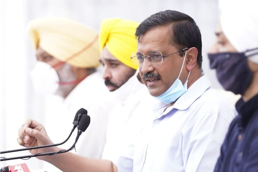 AAP National Convenor Arvind Kejriwal at a press conference in Chandigarh. (Image: News18)