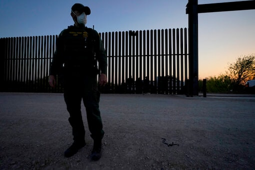 Governor: Texas Building New Border Barrier; No Details Yet