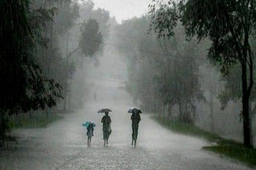 West Bengal Weather: Red Alert Issued For Northern Parts, Scattered Rainfall In South